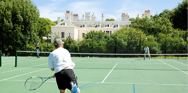 eastbourne tennis courts
